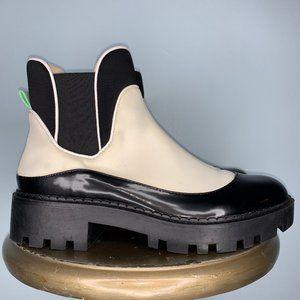 ZARA WHITE & BLACK FLAT HEEL BOOT